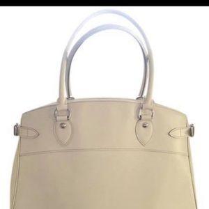 Louis Vuitton Epi passy